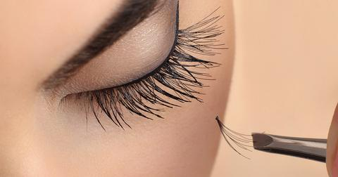 DIY 'Eyelash Extensions'